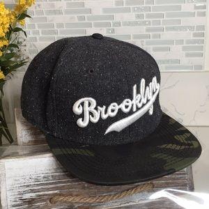 NWOT Brooklyn gray wool and camu print cap 🧢